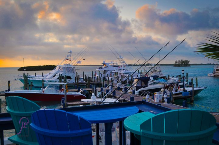 Breakfast @Sunrise Bimini Bahamas - Lyle Saunders Photography