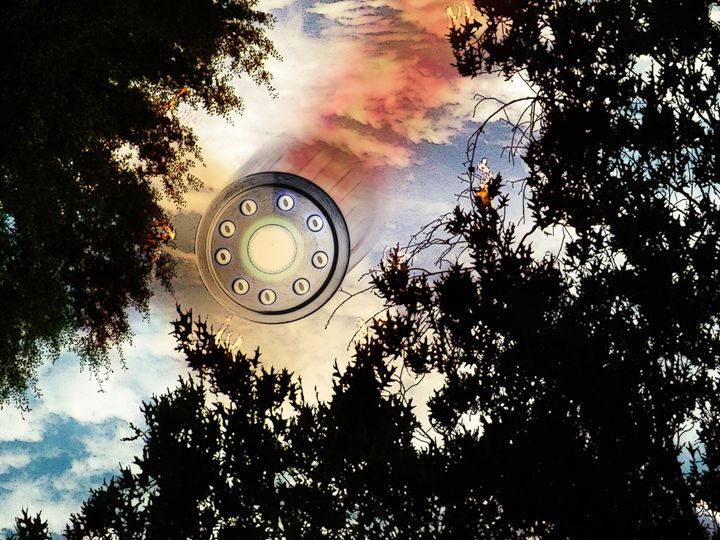 UFO in the Sky - Artistic Independency