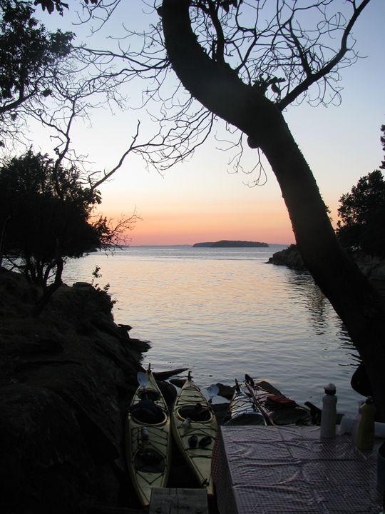 Kayak camping - Yvonne Poirier Island Earth Photography