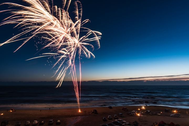 Fireworks On The Beach - Mark McElroy