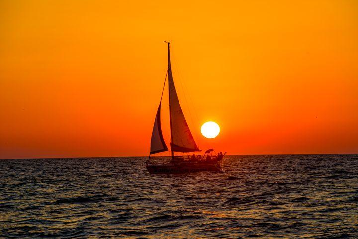 sailing sunset - Kcable