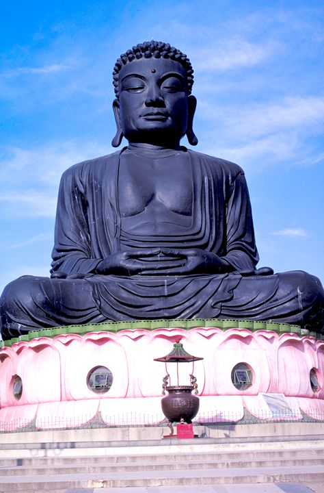 Buddha in Taiwan - Carl Purcell - Global Photography
