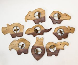 Wooden rattle - pets - 7even Arts - shaping harmony