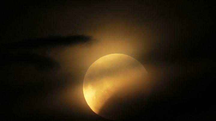 moon - teodoramotateanu
