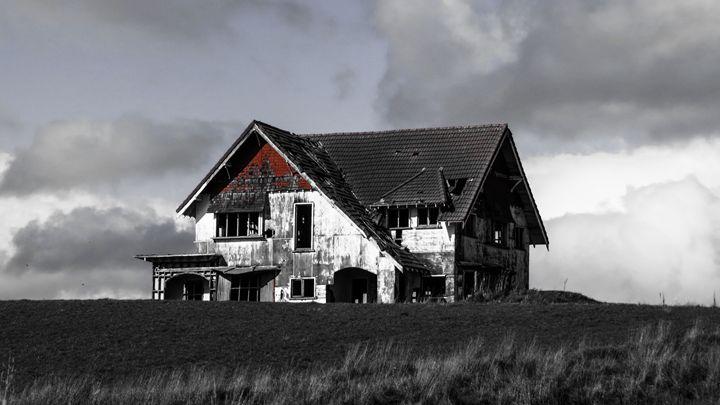 Empty house - teodoramotateanu