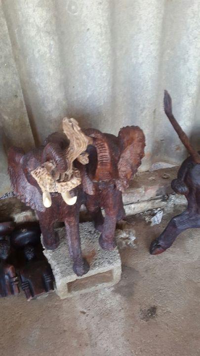 Elephant Lovers - YADAH SCULPTURES