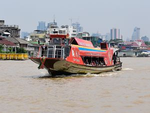 Tour boat  on the Chao Priya river - RCRayner