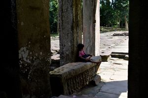 A local Child chillin at Preah Khan - RCRayner