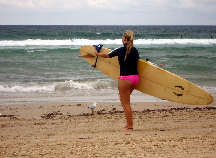 Surfer girl - Photo Life Generation