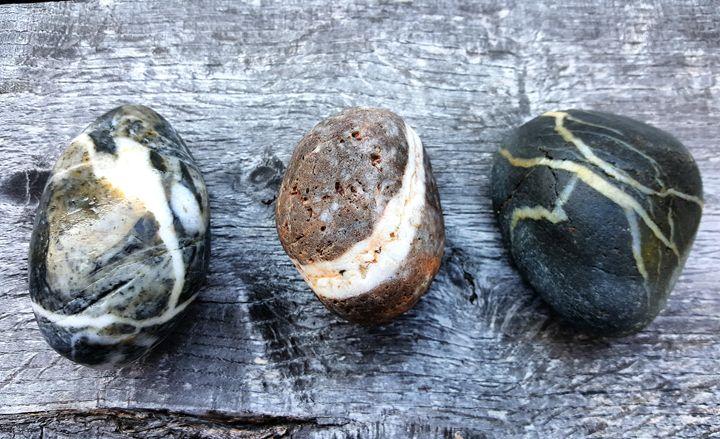 Three Stones - The Adhizen