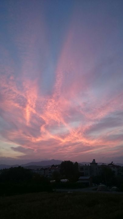 Sky Activity Above The Mountains - Artistic Pleasures