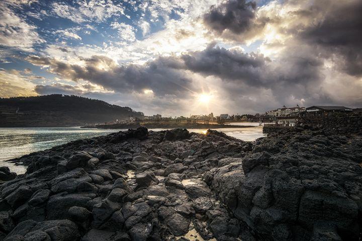 The black rock beach - Aaron Choi Photography