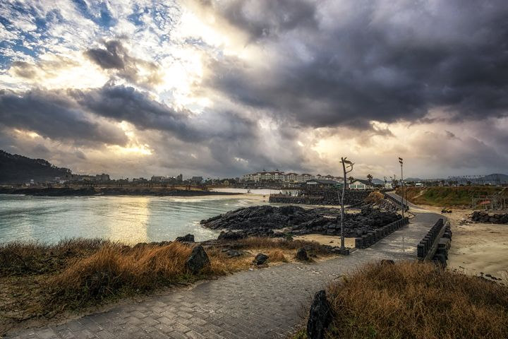 sunrise over the Hamdeok beach - Aaron Choi Photography