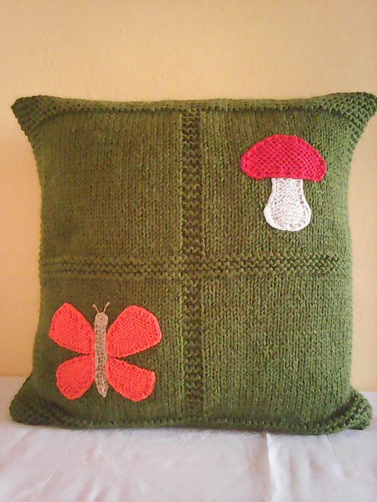 Knitted Dark Green Pillow With Mushr - Eliza