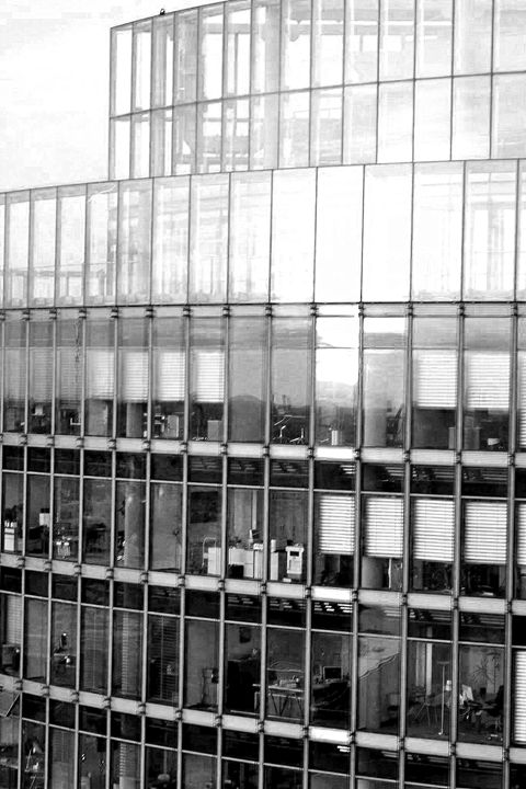 Berlin working/ Potsdammer Platz - Miriam Samara