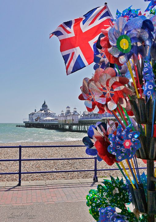 Eastbourne Pier Union Jack - Lionel Fraser, Pictures of Eastbourne, England