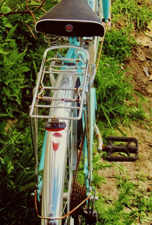 Rusted Bike - OptikDreamZ