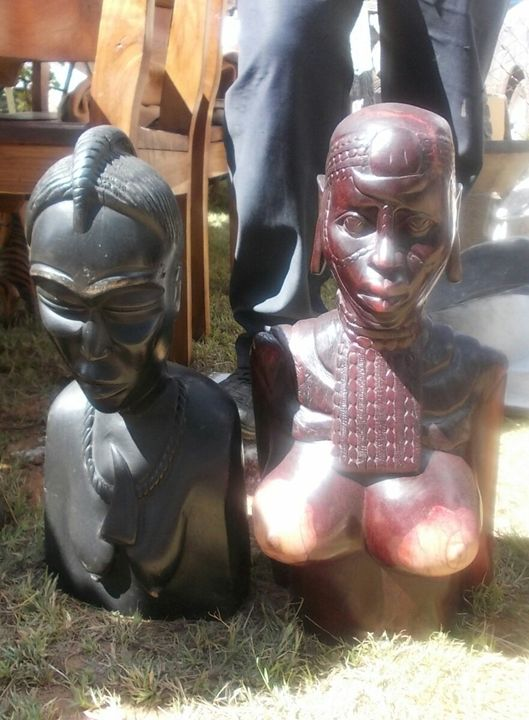 The elder and the Maiden - Raw African Art