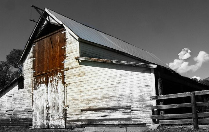 Whitewashed Old Barn - Blue Blue Sky Creations