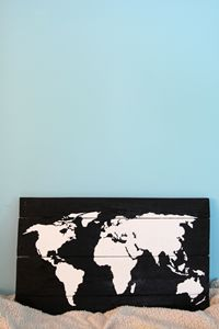 World map | wooden sign