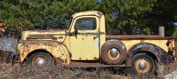 Rusty Vintage Ford Pickup - NatureBabe Photos