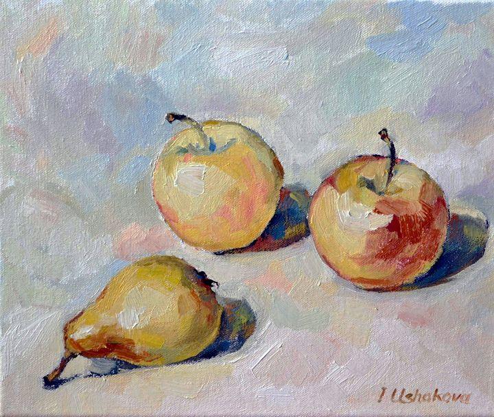 apples and pear - Irina Ushakova