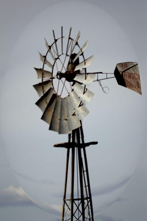 Montana Windmill - Double Moon Art