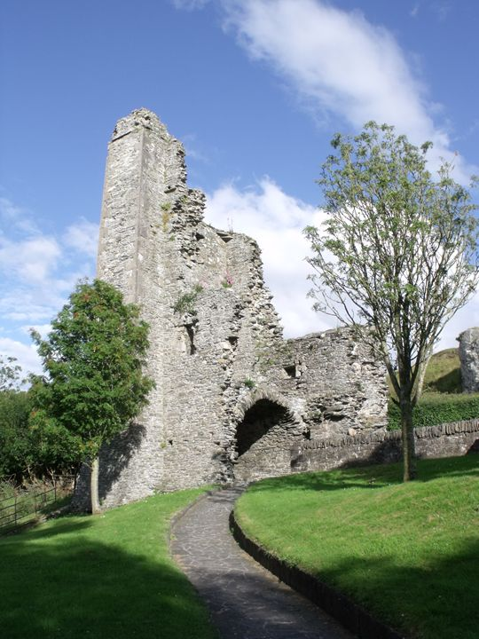 Remains of Castle Tower - Pictures of Ireland