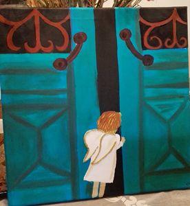 Little angel opening door