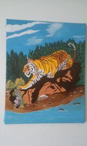 tiger bu the water