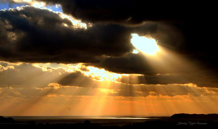 Golden Sunset over the Pacific - Shirleypix Art & Photography