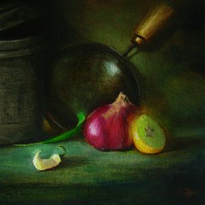 iron pan with onion