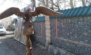 wood carving eagle
