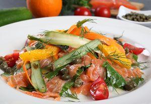 Salmon salad with orange