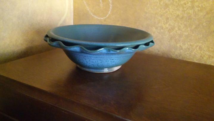 Ruffled Stoneware Bowl - I throw pots