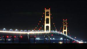 Macninac Bridge