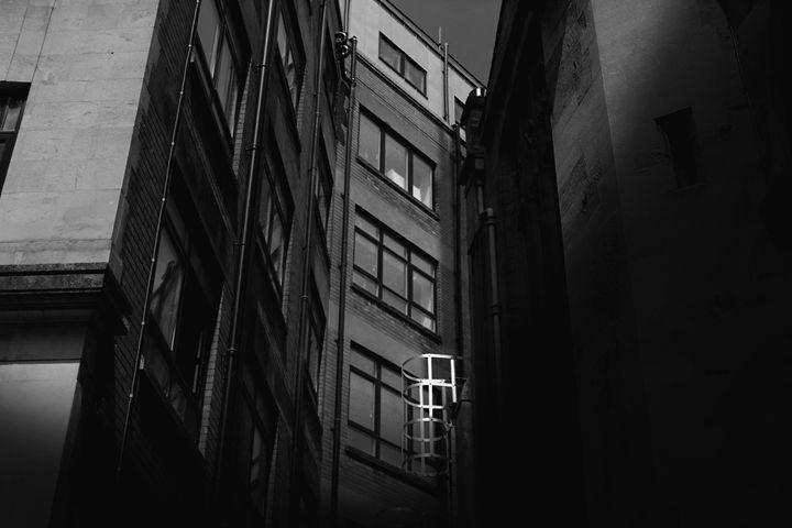Escape - Urban Faced