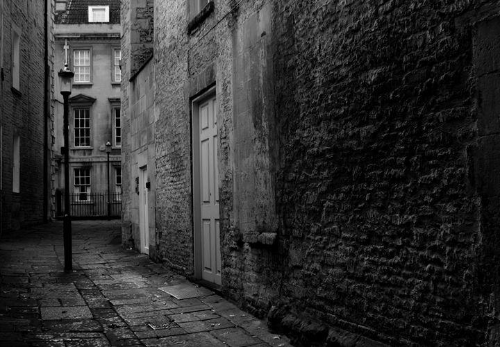 Side alley - Urban Faced