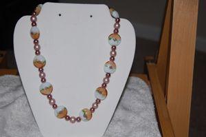Acrylic beaded neckleas