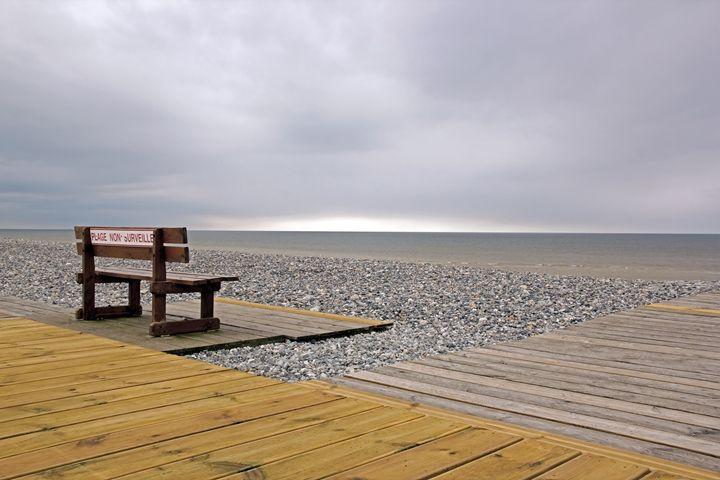 A bench facing the sea - Neko92vl