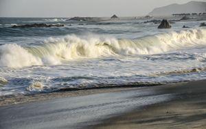 Waves at Los Cabos