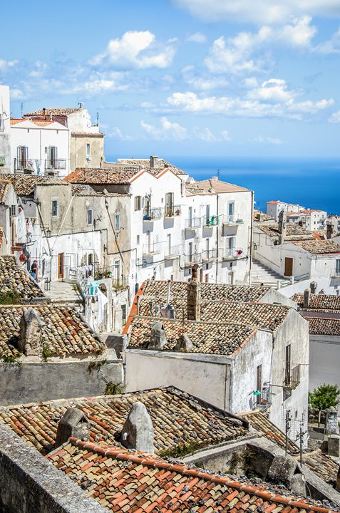 Monte Sant Angelo white houses roofs - FineArt Italia