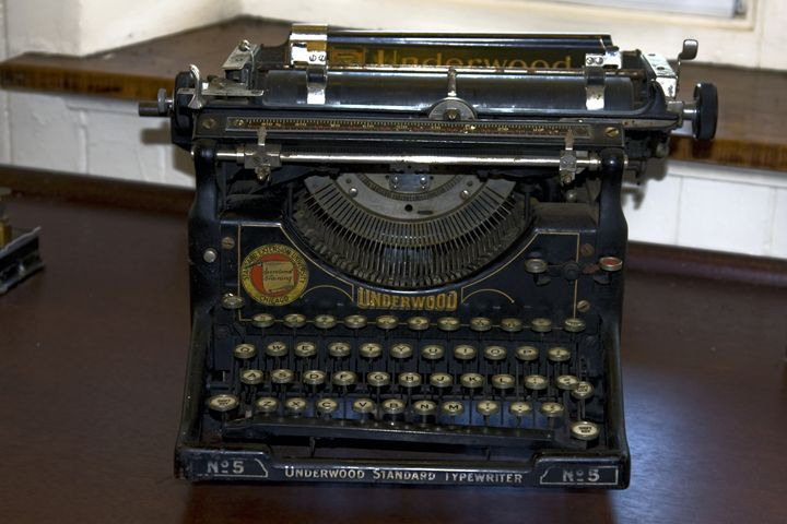 Antique Typewriter - Sally Weigand Images