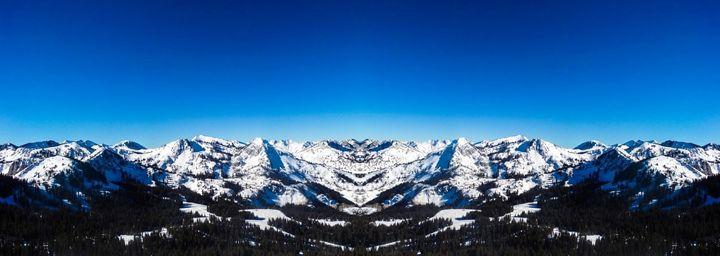 Rocky Mountains In All Their Majesty - Jonathan M. Schwartzman
