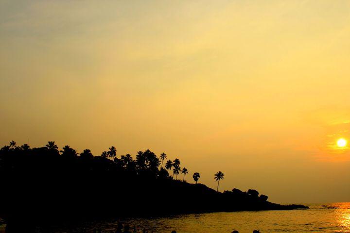 Sunset over tropical trees - Aditon Art