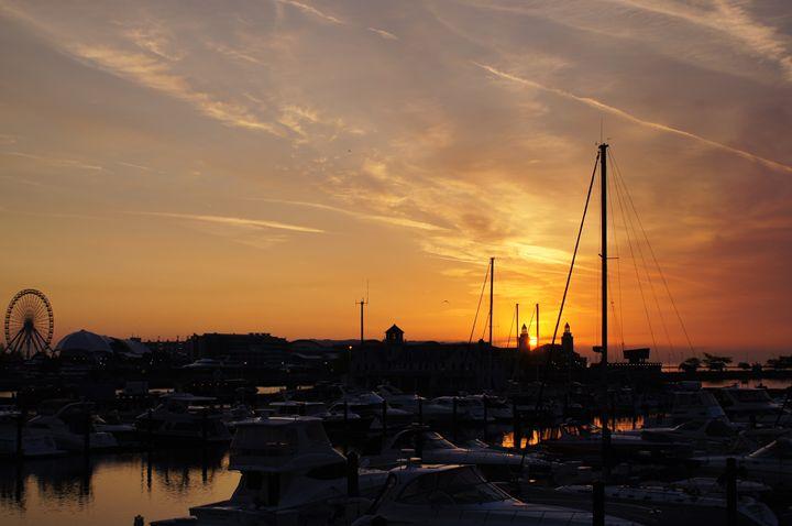 Sunrise Harbor At Navy Pier - Gregory Patrick Lafferty