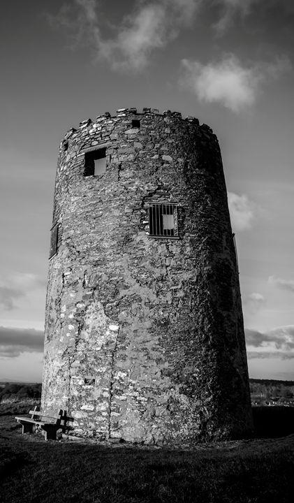 Windmill Hill - Vertical Horizontal Photography