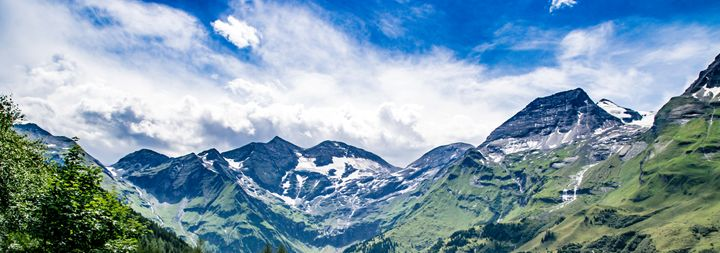 Austrian Mountains - Vertical Horizontal Photography
