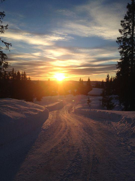 Snowy sunset pt.2 - Diving Blues