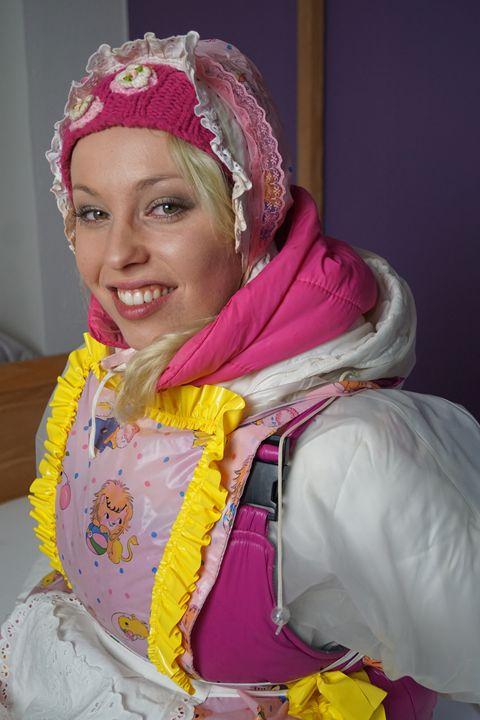 smiling maid zulmapadrusnika - maids in plastic clothes